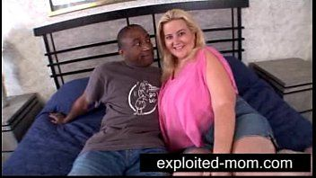 Grande amore Meloni Milf Slut Banging Ebony Cap in grande titties clip milf