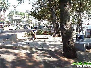 Tuktukpatrol orientale appassionato di grandi tette martellato con creampie bagnato