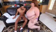 Hawt ssbbw lexxi luxe feeds stud-horse breakfast and pantoons